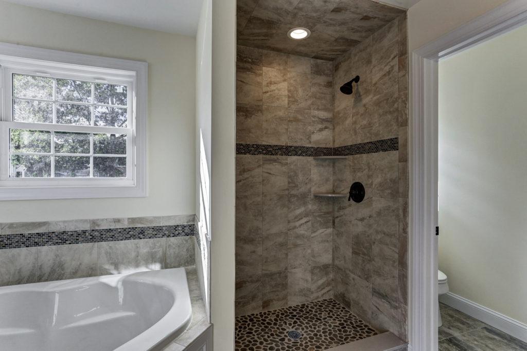 Master Bathroom Tub & Tile Shower